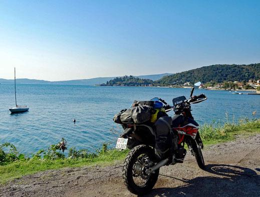 Entlang der Bucht von Kotor nach Kroatien