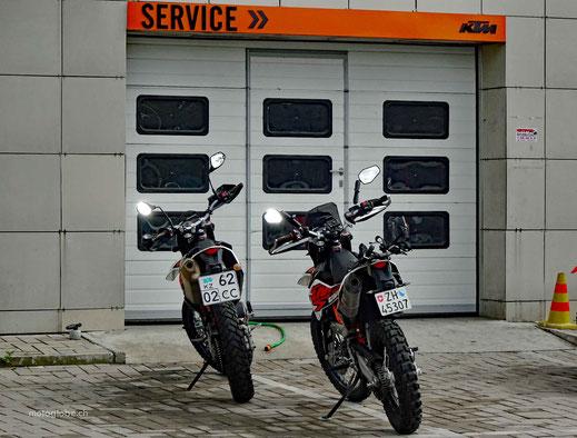 Da gibts noch andere KTM 690 Fahrer in Almaty
