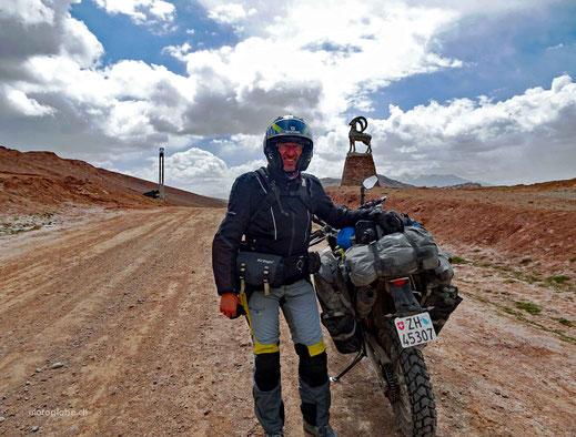 Geschafft, hinter dem Hügel ist die Grenze auf 4'330 Meter