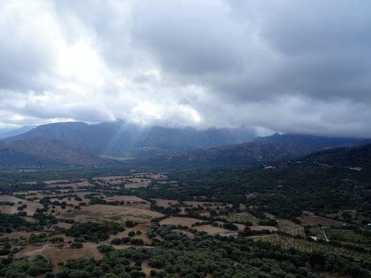 Ausblick von der Panoramastrasse nach Belgodère