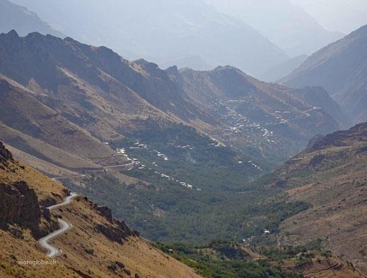 Das Uraman Takht Tal mit der gleichnagien Ortschaft