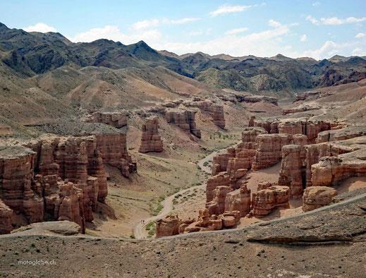 die Piste, die in den Canyon hineinführt