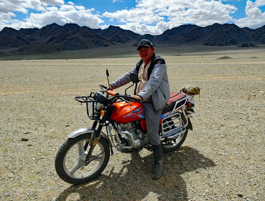 Mongolischer Biker, er wollte mit mir das Motorrad tauschen