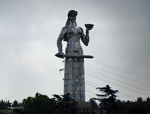 Die Mutter Georgiens symbolisiert die Stadt Tiflis