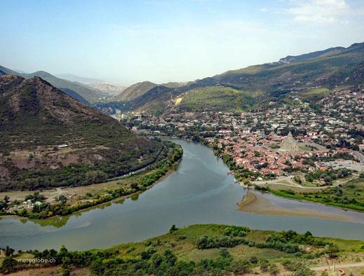 Die schön gelegene Ortschaft Mzcheta
