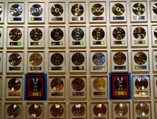 Viele Country Musik CD wurden mit einer goldenen Schalplatten ausgezeichnet