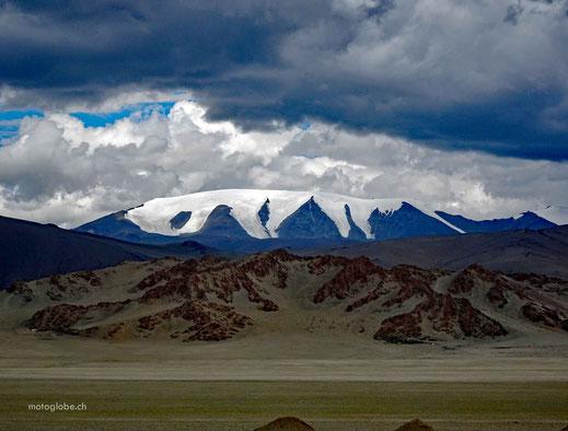 Ziemlich kalt hier oben, der Gletscher Sairyn Ul