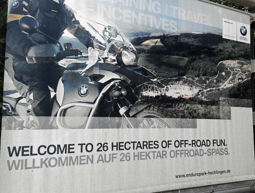 Motorradreisen grosses Plakat