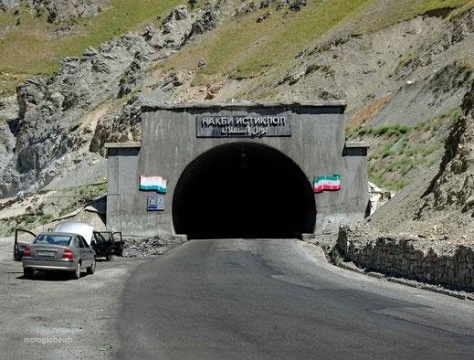 Das schwarze Loch, genannt Anzob Tunnel
