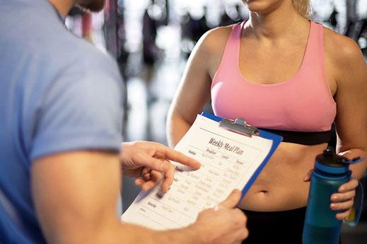 Ernährungsplan personal Trainer Egolion Frau Training
