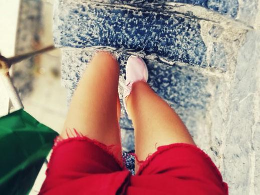 Talente, Kath Visual, Blog, Katharina Steiner, red shorts, Füße