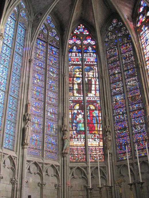 Les vitraux centraux sont du XIVe siècle