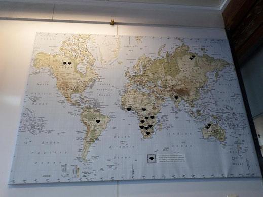 Après avoir vu la carte des différents gisements dans le monde, j'ai compris qu'il était inutile de chercher  des diamants en France sauf dans une bijouterie ...
