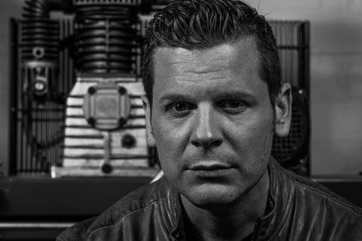 Martin Scheil : Bass