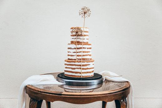 puristische und schlichte Hochzeitstorte