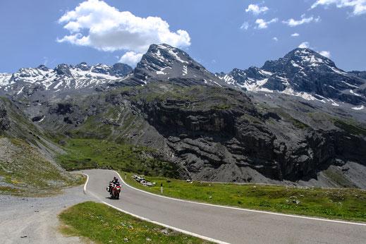 motorrad-tour-am-stilfser-joch