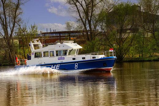 Patrouillenboot der Polizei auf dem Main
