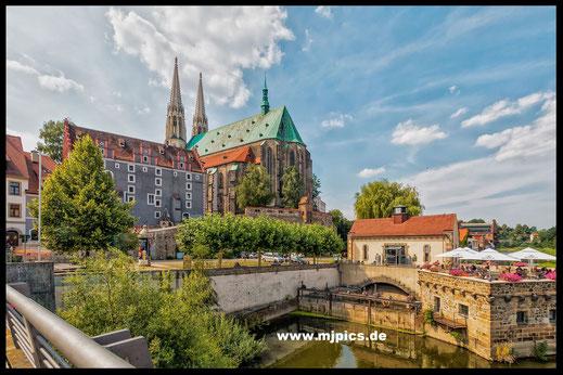 Städte-Peterskirche und Terrassenrestaurant in Görlitz