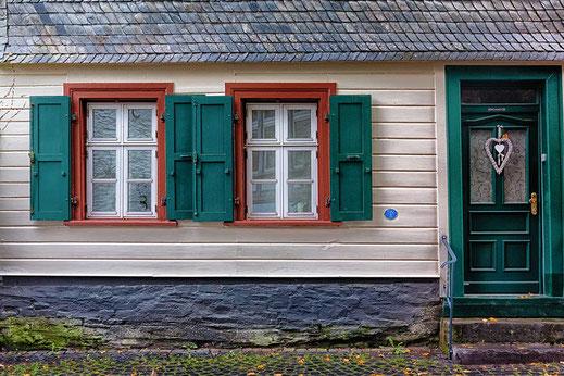 Hausfassade in Monschau © Jutta M. Jenning ♦ mjpics.de