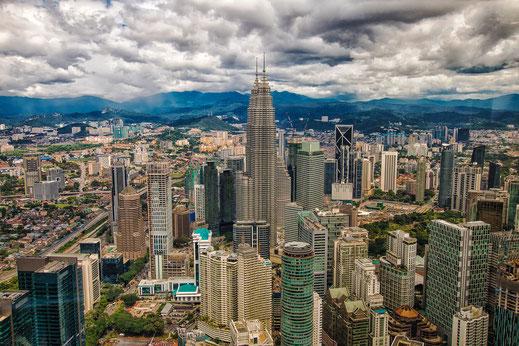 Blick auf Kuala Lumpur mit Petronas Twin Towers © Jutta M. Jenning