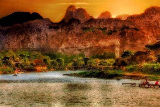 In Vang Vieng am Fluss Nam Xong-Laos