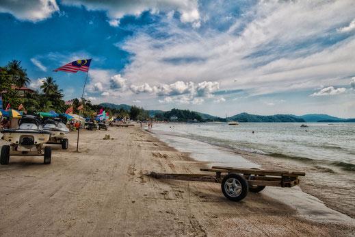 Pantai Cenang Beach auf Langkawi-Wassersport