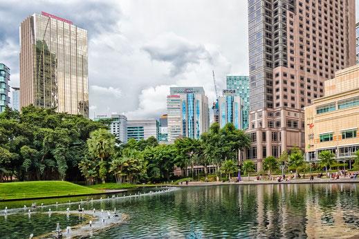 Kleiner See im KLCC Park -Kuala Lumpur © Jutta M. Jenning