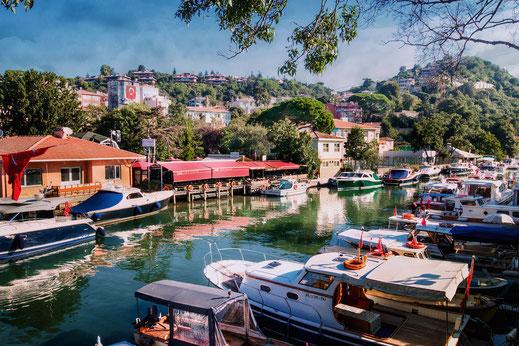 Kleiner Hafen in Anadolu Hisari am Göksu