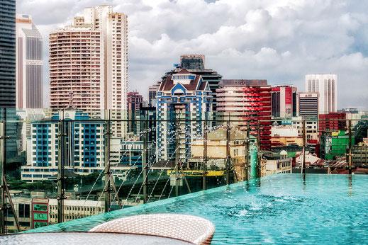 Infinity-Pool eines  Hotels in Kuala Lumpur © Jutta M. Jenning