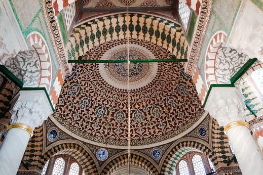 Kunstvolle Deckenmalerei im Topkapi Palast in Istanbul www.mjpics.de