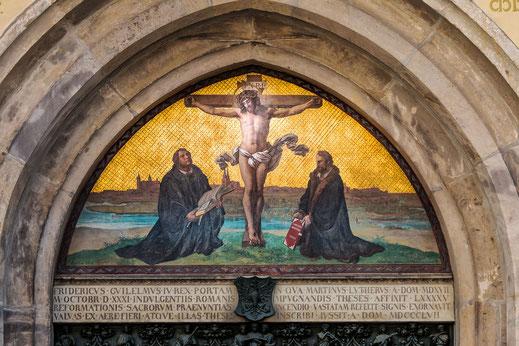 Bildnis über der Thesentür der Schlosskirche in Wittenberg