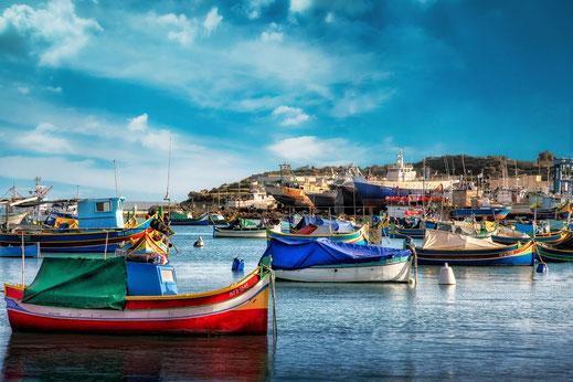 Hafen mit Booten in Marsaxlokk Malta