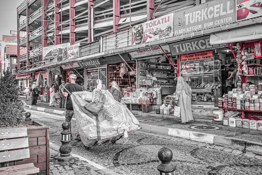 Strassenszene in Üsküdar Istanbul colorkey