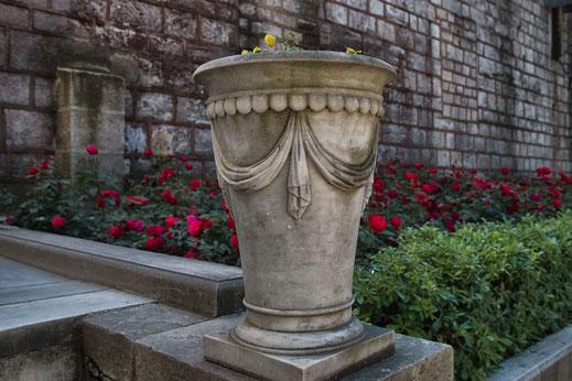 Große Amphore in den Gärten des Topkapi Palast in Istanbul