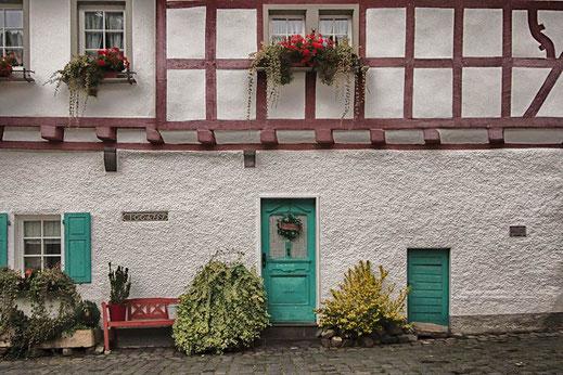 Häuserfassade in Monreal © Jutta M. Jenning www.mjpics.de