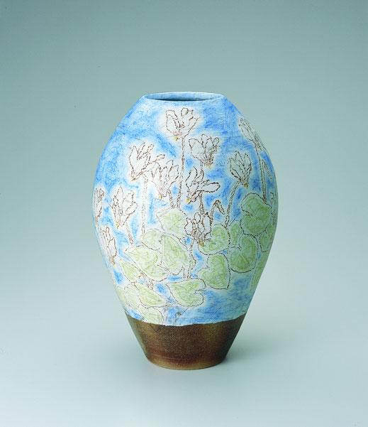 かがり火花チョーク描文壺 Jar with cyclamen design in chalk drawing 26.0 × 26.0 × 37.0 荒井ゆきえ (c) Yukie Arai