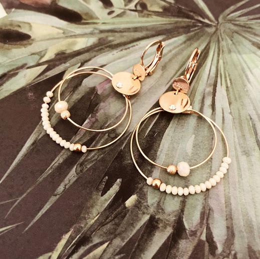 boucles d'oreilles mini olivia beige iconqiues gwapita bijoux creation colliers doré fin or fleur flower