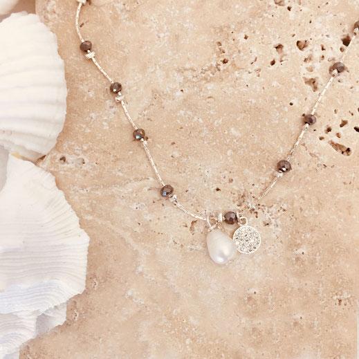 collier gwapita Pablo creation bijou necklace gris perle d'eau douce plaqué argent argenté