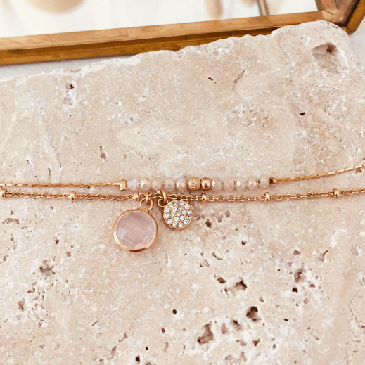 bracelet gwapita fin bijoux France creation finesse perles doré plaqué or  fin double chaine perles rose poudré opal pale pierre ronde sertie zélée