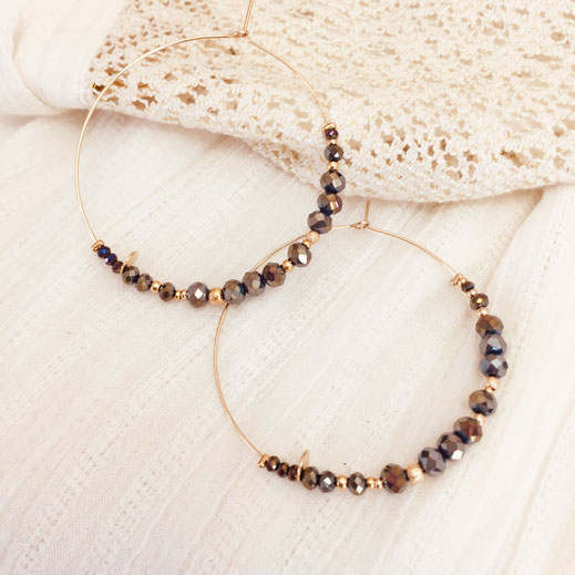gwapita Romy metalic créoles boucles d'oreilles perles dorées fine femme earrings