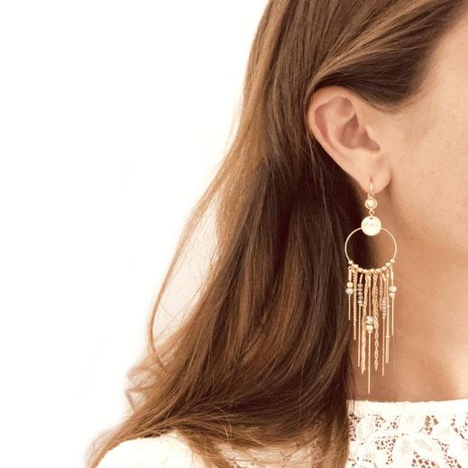 boucles d'oreilles gwapita Gisèle champagne nude chaines fines longues earrings bijou