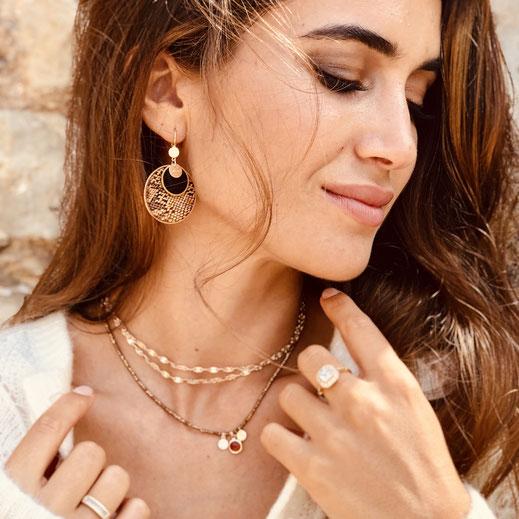 Collier gwapita anneau rond camel perles