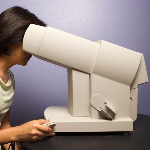 Vermessung des Gesichtsfeldes als Teil des Glaukom-Screenings