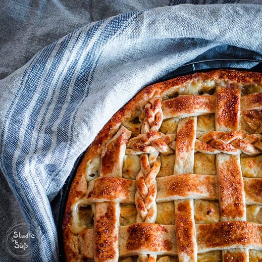 Rezept für einen saftigen Apfelkuchen mit Schmand und Vanille