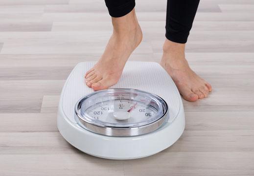 """Vortrag und Workshop """"Hilfe, ich bin zu dick"""" von und mit Christa Saitz"""