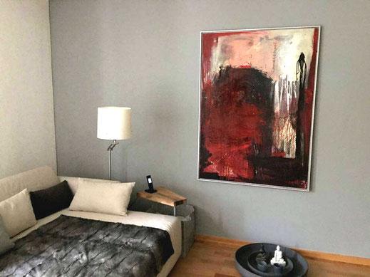 rotes Bild im Raum - Schrei nach Liebe