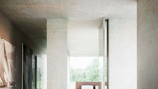 Handwerkliche Erfahrung, exklusive Materialien und edles Design - hieraus entstehen bei Linvisibile wandbündige Türen und Türsysteme der besonderen Art.