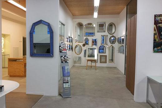 Gemälde-Ausstellung von Christina Etschel bei Deubl Glaserei München