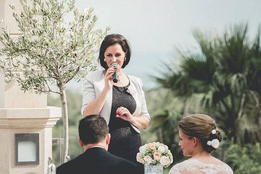 Freie Rednerin Antonia M. Grunert; Foto: Hochzeitsfotografie Kiss the Bride