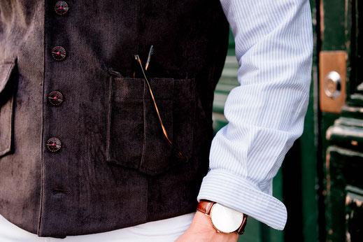 Détail sur le gilet tom clippoertown avec ses poches plaquées et à rabat